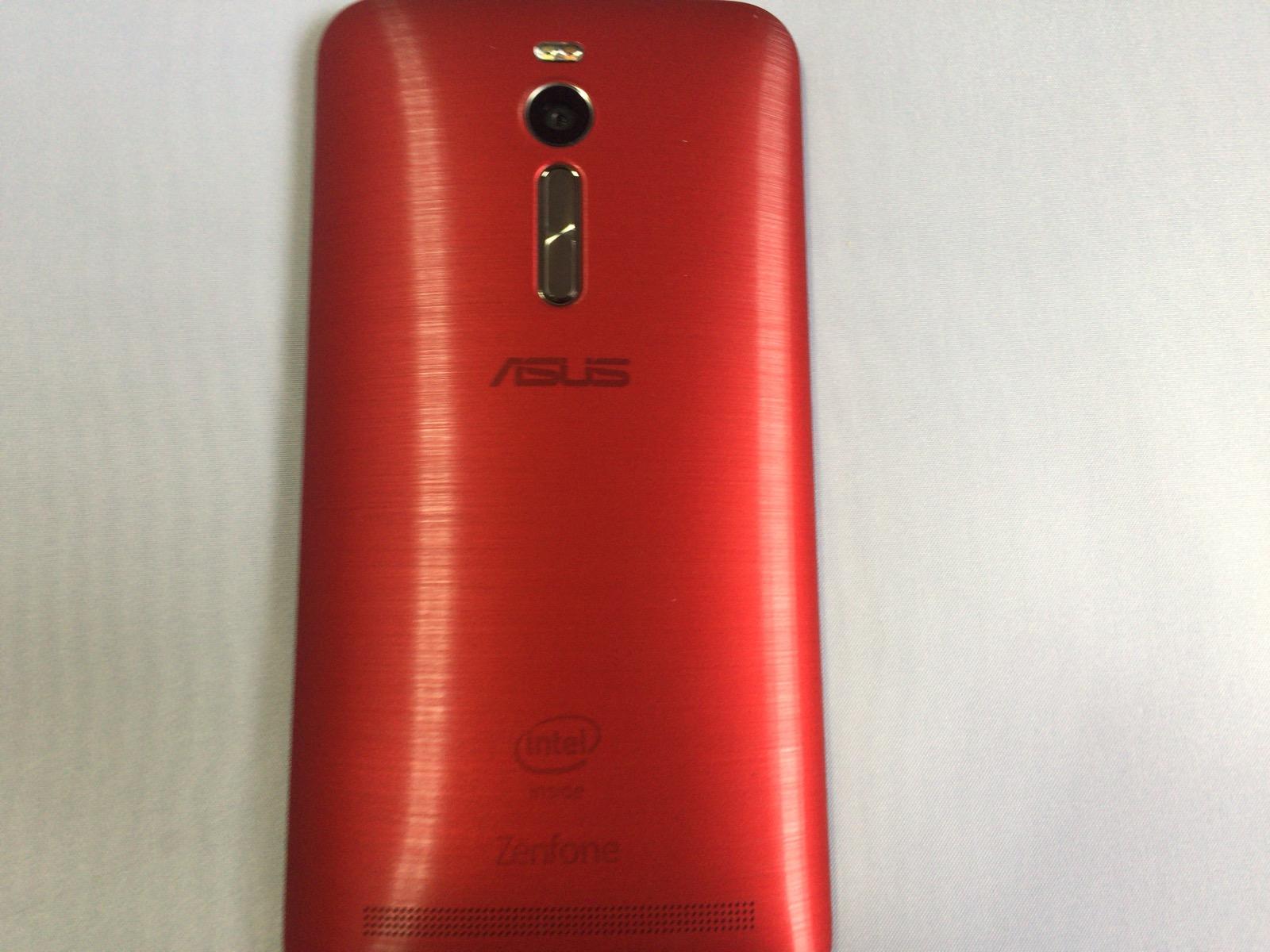 Zenfone 2の裏面