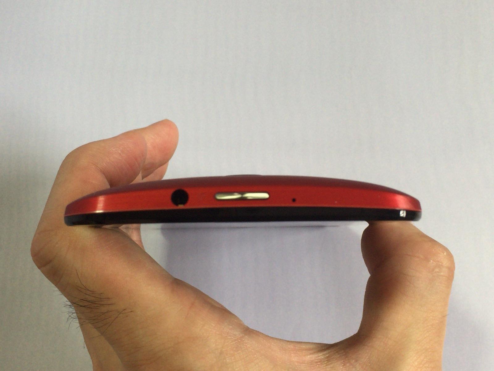 Zenfone 2の本体上部の様子