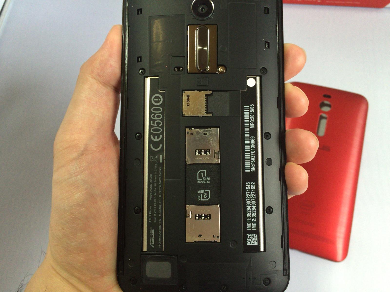 バックパネルカバーを外した時のZenfone 2本体の裏側の様子